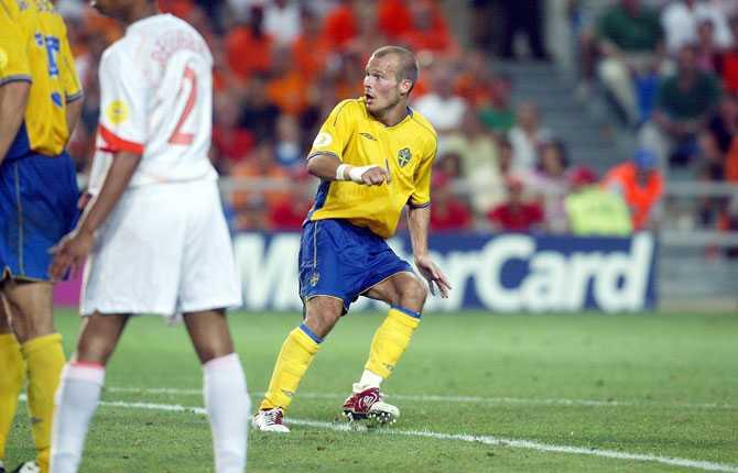 I kvartsfinalen mot Holland var Fredrik Ljungberg bara centimeter från att bli den stora hjälten. Hans skott, med bara fyra minuter kvar av förlängningen, tog i stolpen - och Sverige slogs ut på straffar.