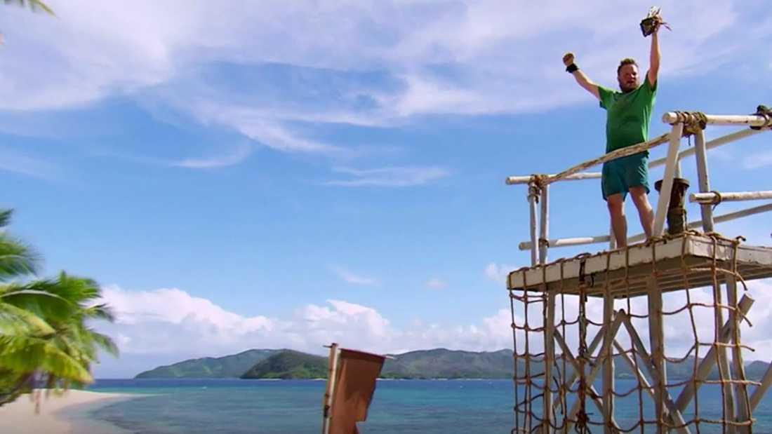 Michael Björklund tog sig upp i tornet först och kunde knipa Robinson-statyetten.