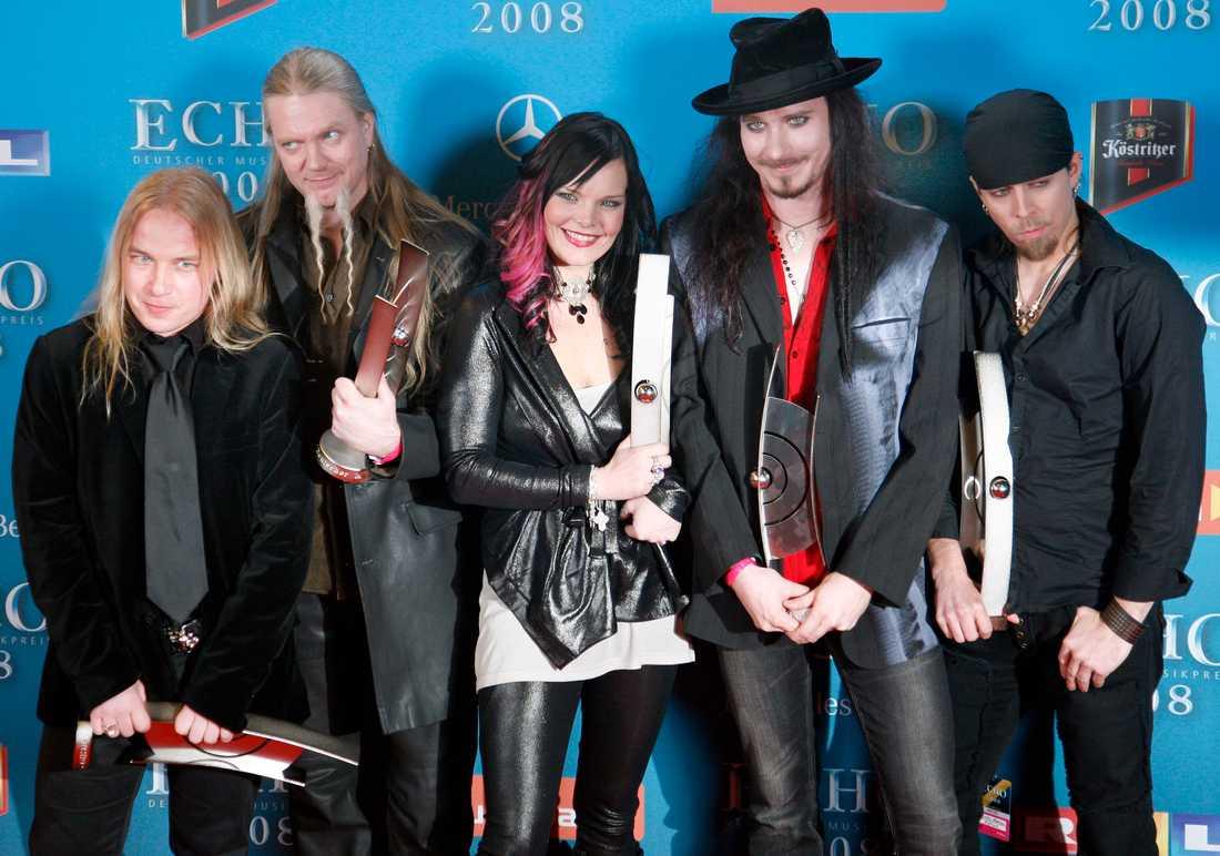 Basisten Marko Hietala, tvåa från vänster, lämnar bandet Nightwish. Arkivbild.