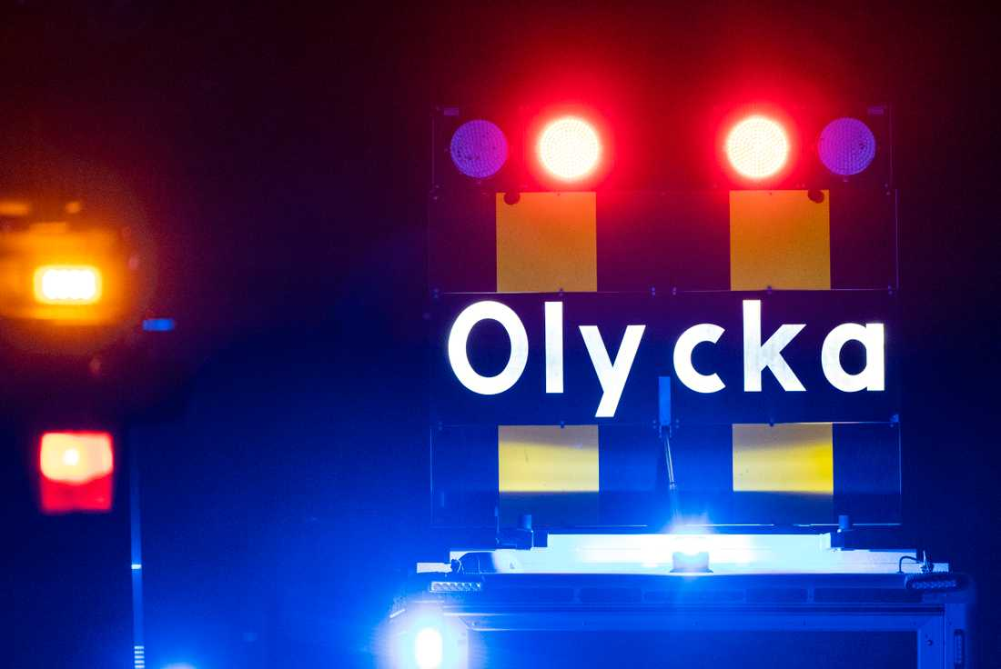 Olyckan inträffade på fredagen i Gyttorp utanför Nora. En man har avlidit av sina skador.