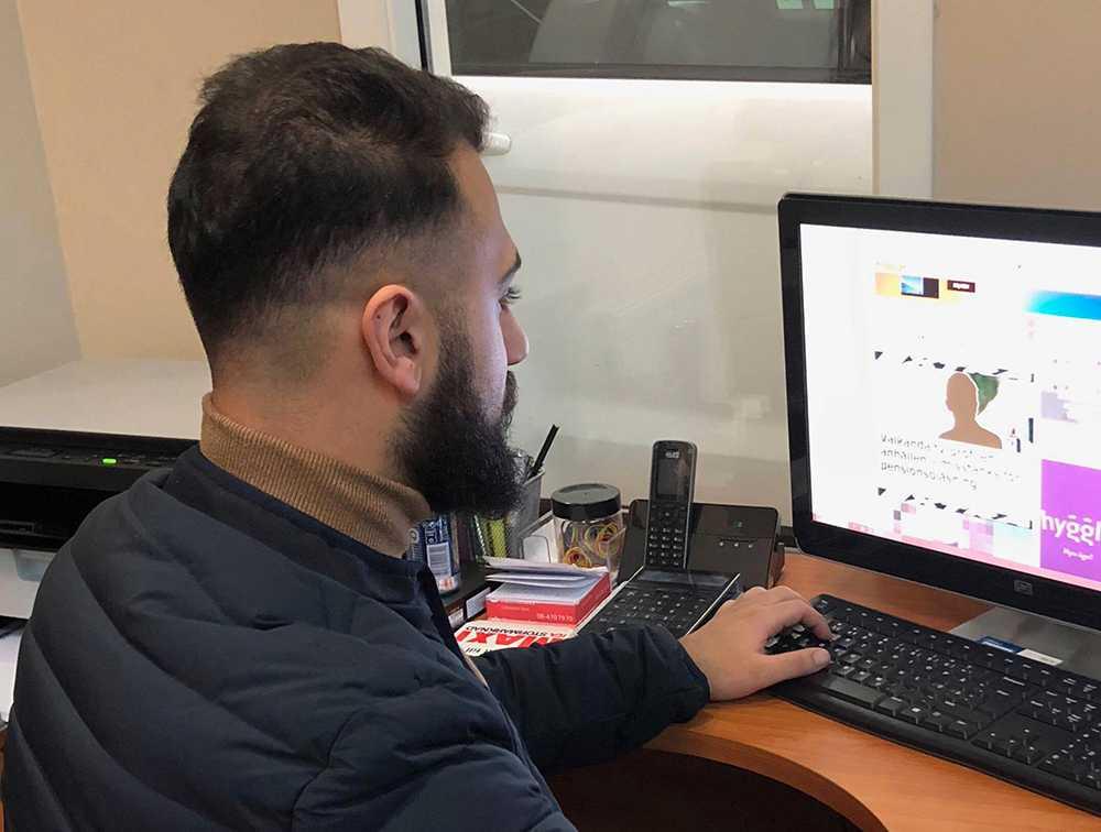 Ahmed Abbas anser att Tele2 sysslar med falsk marknadsföring.
