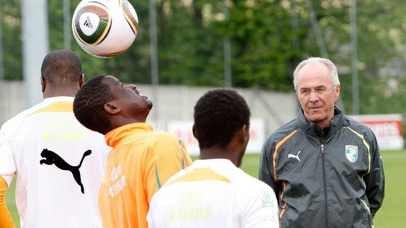 Svennis lämnade Notts County i februari. I mars tog han över Elfenbenskusten och cochade laget under VM. Men det blev inget slutspel för Svennis nya landslag och svensken lämnade Elfenbenskusten efter mästerskapet.