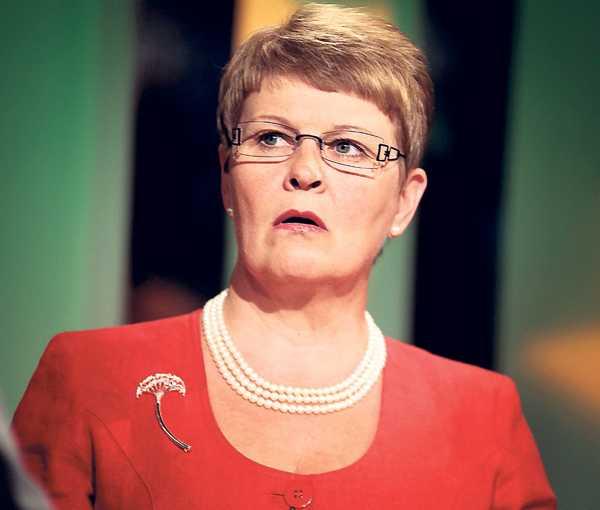 Står på sig Maud Olofsson har fått motta hård kritik för sitt uttalande om att hon behandlas annorlunda för att hon är kvinna. Men hon står fast vid sitt uttalande.
