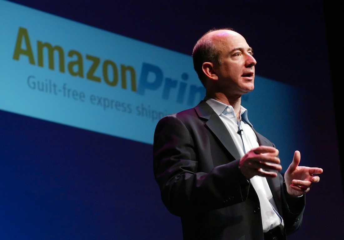 Detaljhandelsjätten Amazon har varit på förstasidorna på senare tid sedan Saudiarabiens prins Mohammed bin Salman anklagats för att ha hackat Amazon-chefen Jeff Bezos (bilden) telefon. Arkivbild