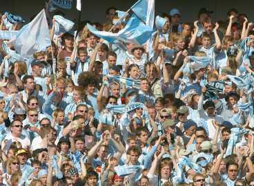 """INTERNATIONELL CUPFOTBOLL - DÅ BLIR DET FEST? Malmö FF har inte spelat ute i Europa sedan 1998 - i dag är det dags igen. """"Kommer det 10 000 mot Portadown är det fantastiskt"""", skriver Sportbladets Stefan Alfelt."""