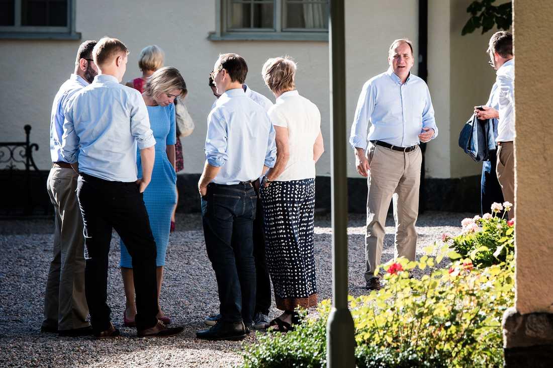 Regeringen samlas på Harpsund för budgetsamtal.