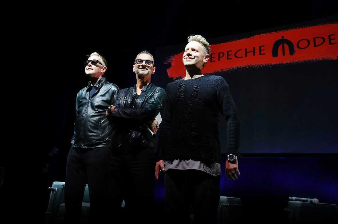 """NY SKIVA PÅ GÅNG Depeche Mode arbetar just nu på sitt fjortonde album som kommer att släppas i början av nästa år. """"Vi har jobbat med ett helt nytt team och saker har fallit på plats snabbt"""", säger Dave Gahan."""