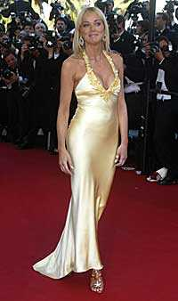 Hollywoodstjärnan Sharon Stone, 47, har bestämt sig för att vika ut sig i Playboy en gång till före 50-årsdagen.