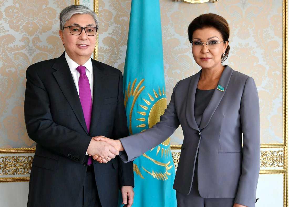Kazakstan nyinsvurne interimspresident Kasym-Zjomart Tokajev och den tidigare presidentens dotter Dariga Nazarbajeva tidigare i veckan.