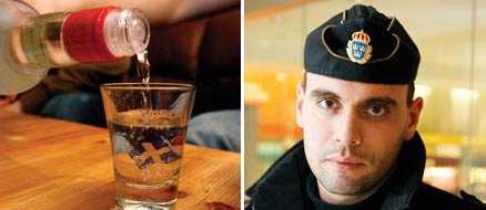 Johan Jansson är en av de poliser som ska hindra att minderåriga får tag i alkohol under halloweenveckan.