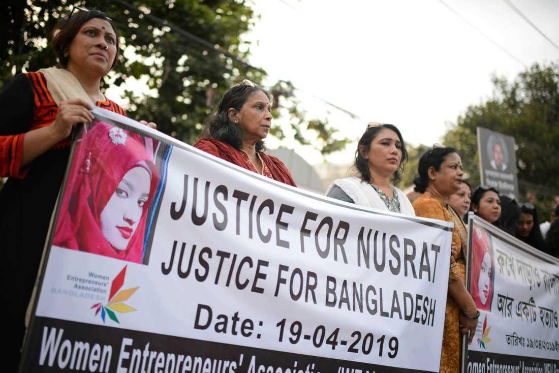 Krav på rättvisa för Nusrat Jahan Rafi under en demonstration i Bangladesh huvudstad Dhaka. Arkivbild.