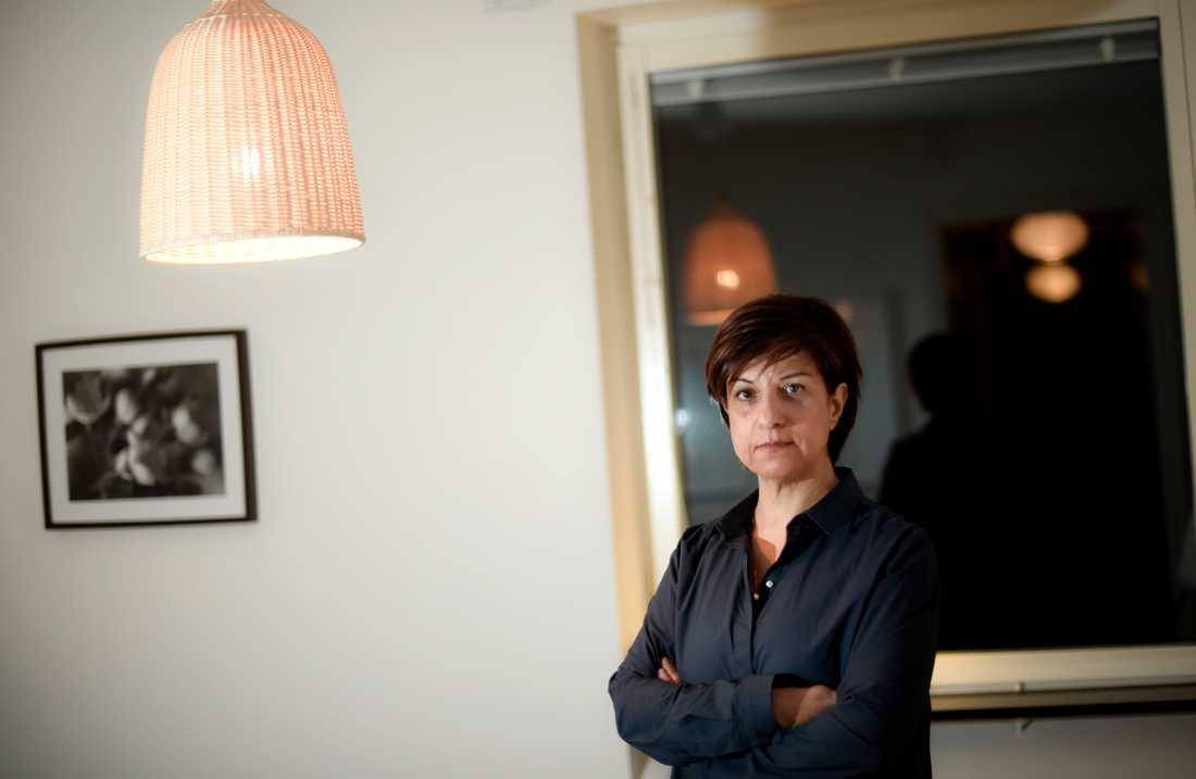 """Azam Qarai, som hedersutsatta på Linnamottagningen i Stockholm, är tveksam till skärpta regler om utvisning. """"De som begår de värsta hedersbrotten, de är inte rädda. En del packar själva och åker tillbaka"""", säger hon. Arkivbild."""