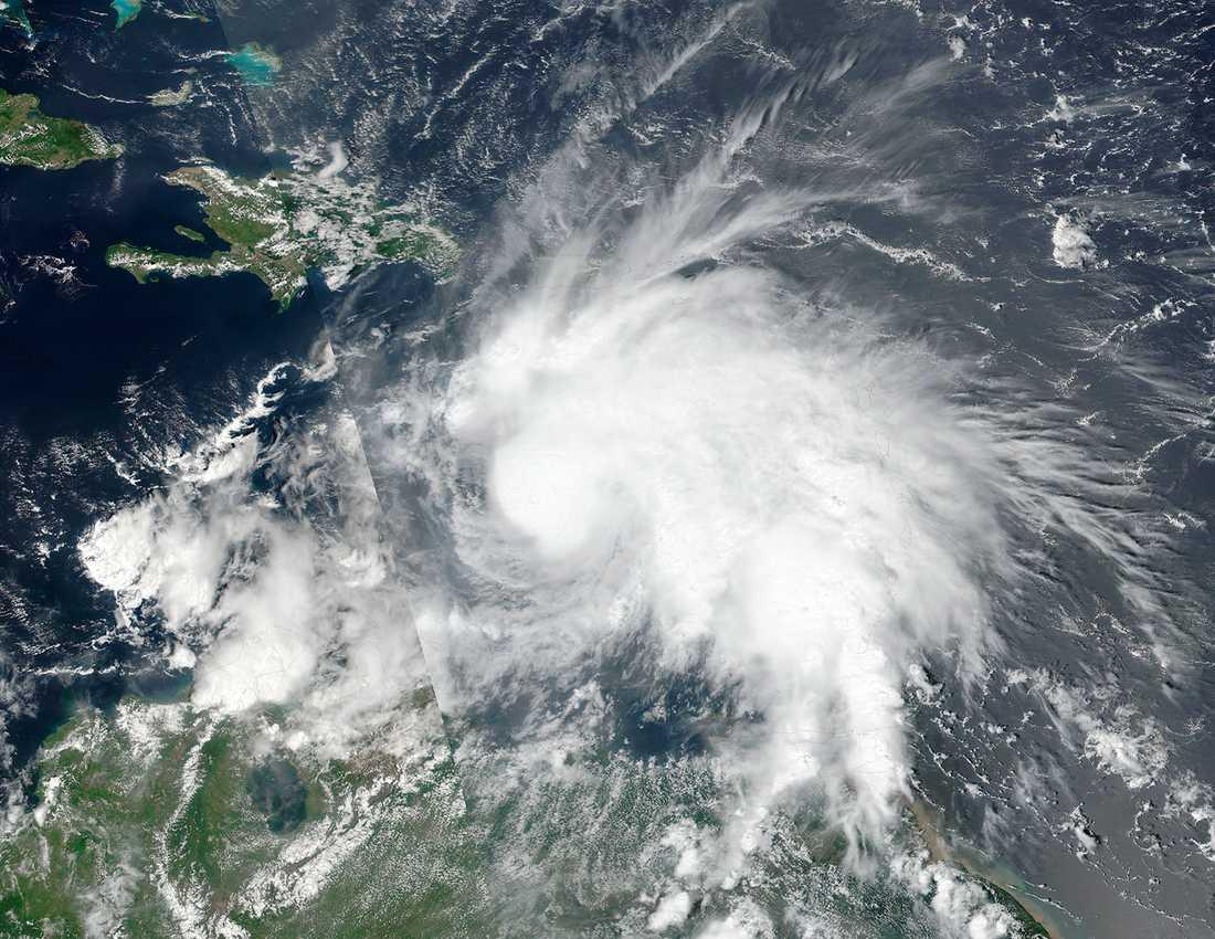 Nationella Orkancentret i USA kallar stormen för den starkaste sedan Felix 2007.