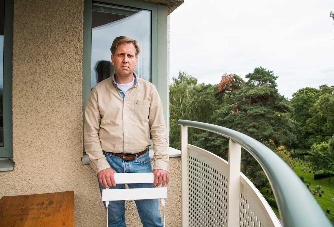 """""""Jag skulle aldrig kunna ha en sån fest hemma hos mig utan att någon ringde polisen"""" säger grannen Stefan Sahl."""