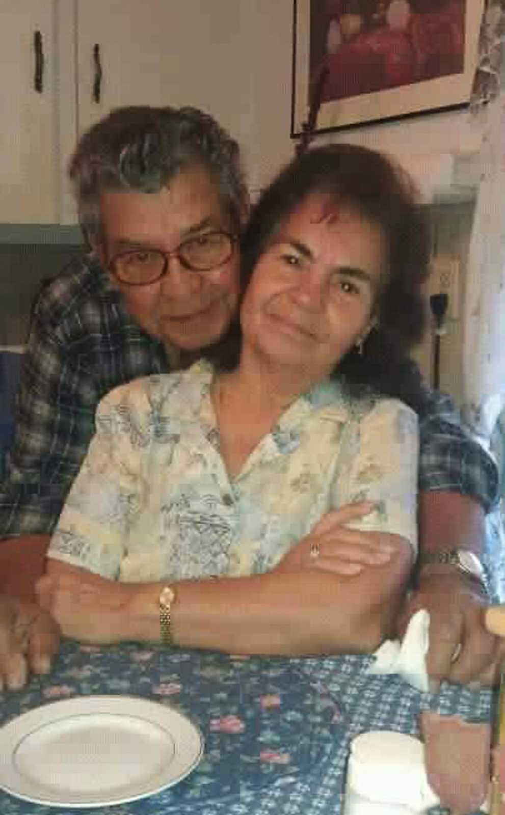Belia och Manuel Saldivar, befaras ha drunknat tillsammans med sina fyra barnbarnsbarn i vattenmassorna som stormen Harvey dragit med sig.