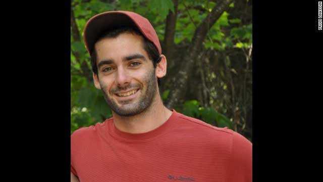 Andrei Anghel, 24, Kanada. Läkarstudenten var på väg mot Bali för att ha semester. Han var inskriven vid Waterloo-universitet, Kanada, men har den senaste tiden studerat i Rumänien.