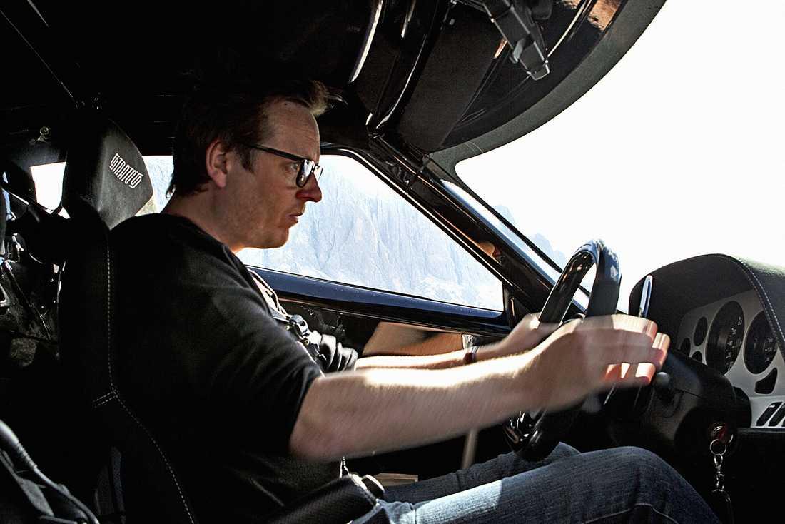 Trångt är det - oavsett om du kör nya eller gamla Stratos.