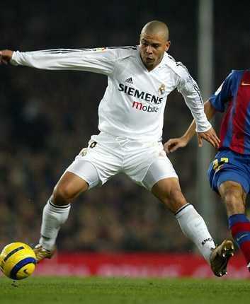 Till Real Madrid kom Ronaldo som ännu en i raden av storstjärnor. Gång efter annan dömdes han ut – men svarade ändå för 82 mål på 120 matcher.