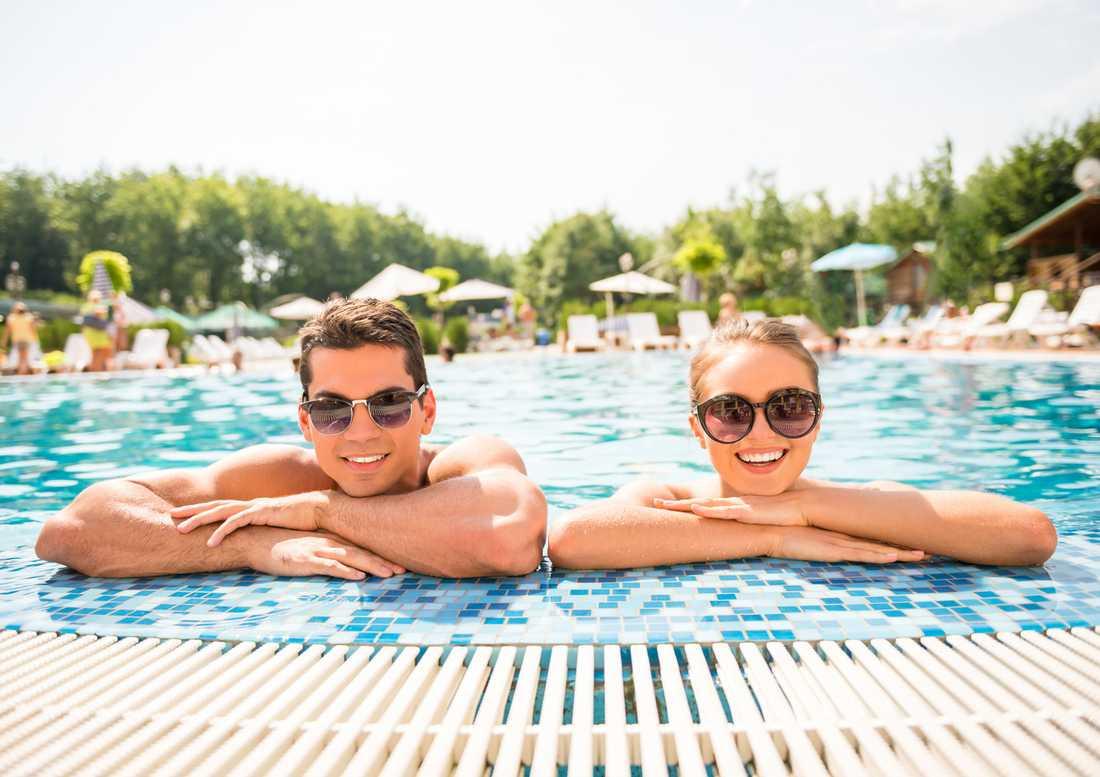 Unga par vill allt oftare till barnfria hotell. Personerna på bilden har inget med artikeln att göra.