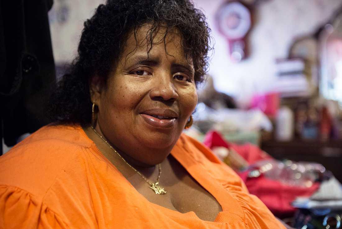 Sandra Tillman, 54, väger strax under 200 kilo och har stora problem med hälsan.