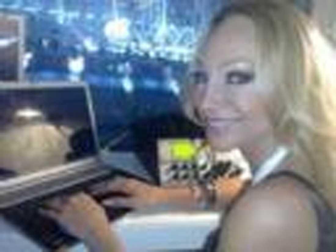 """""""13 centimeter. Det är samma som i Globen."""" Charlotte Perrelli, maj 2008, om hur höga klackar hon skulle ha i schlager-EM i Belgrad."""