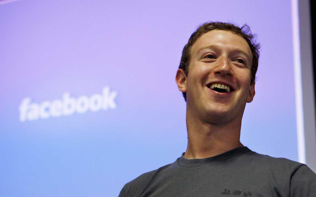 Mark Zuckerberg kallade först kritiken mot falska nyheter på Facebook för galen. 48 timmar senare är tongångarna annorlunda.