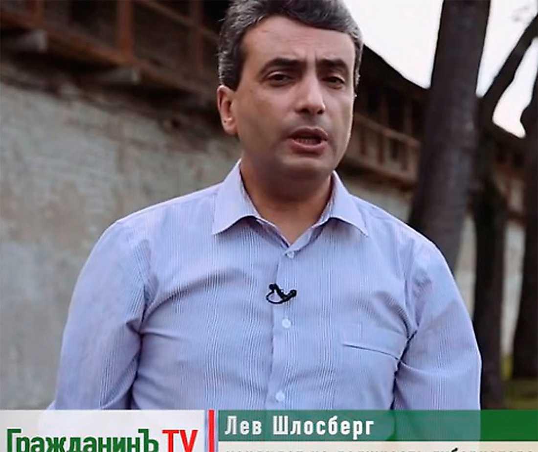 Reportern Lev Shlosberg misshandlas svårt sedan han rapporterat om ryska soldater som stupat i Ukraina. Foto: Youtube
