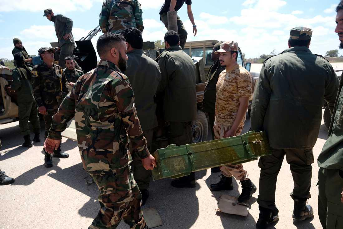 Libyens nationella armé (LNA).