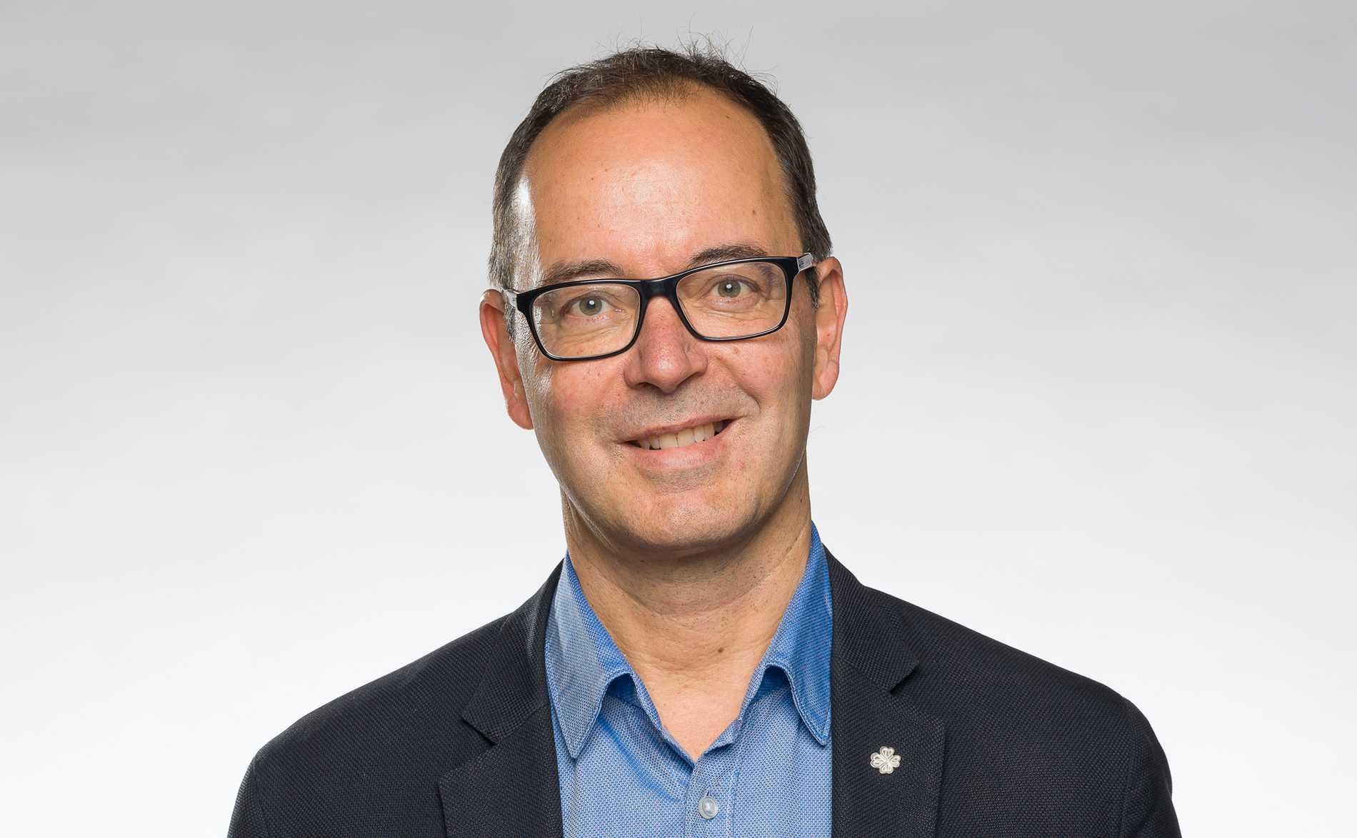 Stefan Hanna (UPD), kommunalråd och medlem i Uvecklingspartiet Demokraterna.