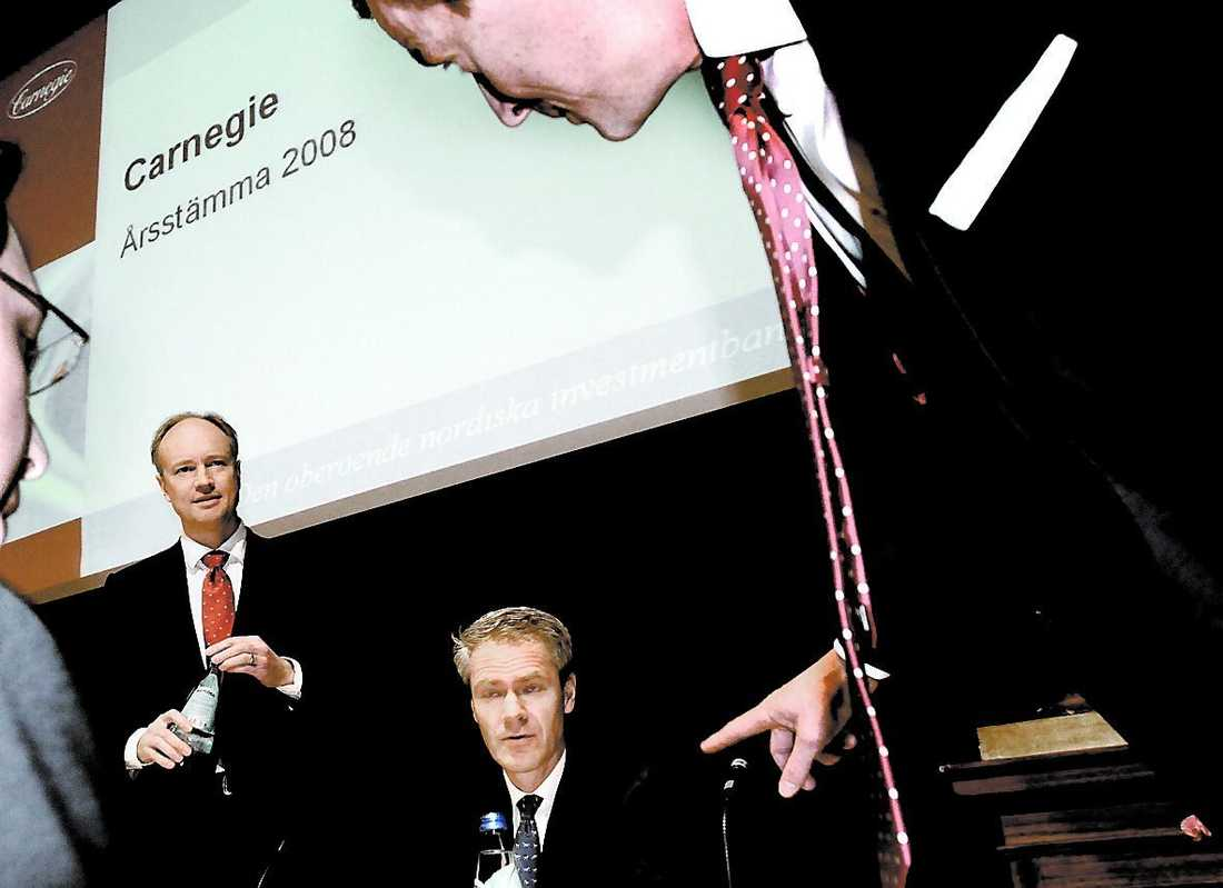 bonusregn När Carnegie hade bolagsstämma i våras kunde man glädja sig åt siffrorna: de 810 anställda fick dela på en miljard i bonus för 2007 – i snitt 1,2 miljoner kronor per person.