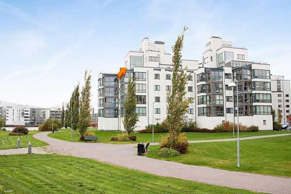 7 900 000 kronor En bostadsrätt i tre plan i Västerås, Västmanlands län.