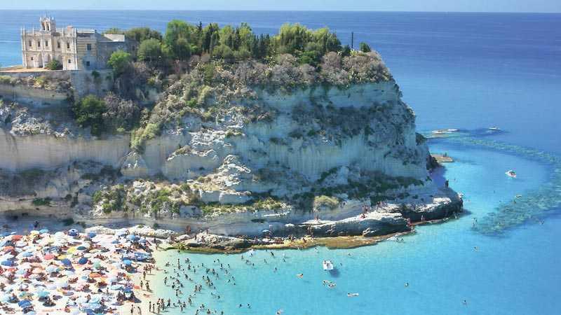 Tropea är ett av de nya chartermålen i södra Italien.