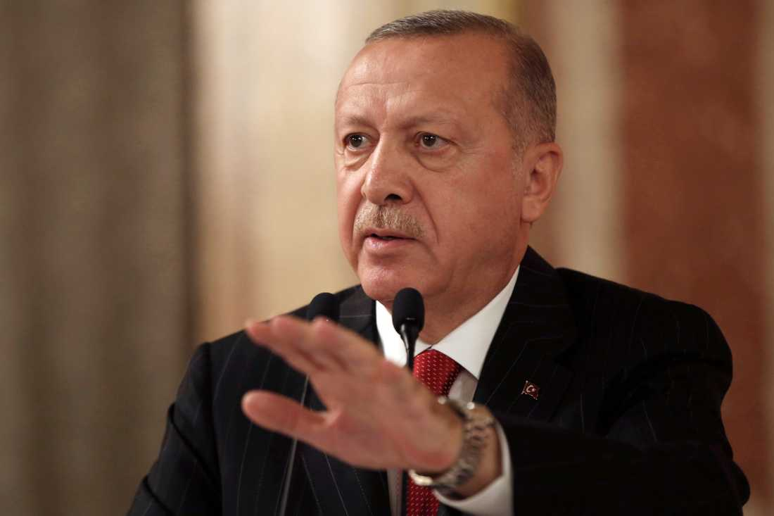 Turkiets preisent Recep Tayyip Erdogan.