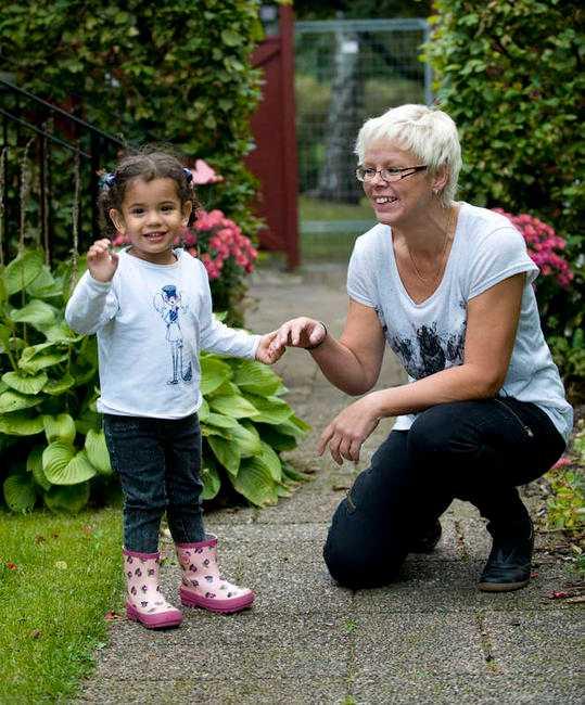 Uppehållstillstånd Lilla Haddile fick ett tillfälligt uppehållstillstånd i Sverige för två år sen som nu gått ut. Nu har familjen ansökt om permanent uppehållstillstånd.