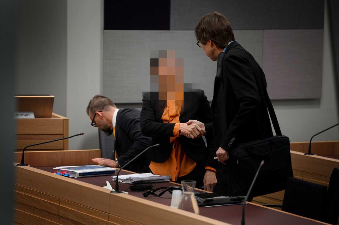 """Idag inleds rättegången mot """"kulturkvinnan"""" som misstänks ha giftmördat sin sambo."""
