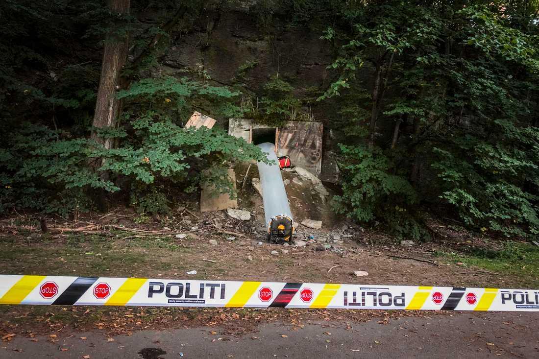 Sju medvetslösa personer fick föras till sjukhus efter att de blivit kolmonoxidförgiftade under en ravefest i en bunker i Oslo. Totalt har 25 personer uppsökt vård efter bunkerfesten.