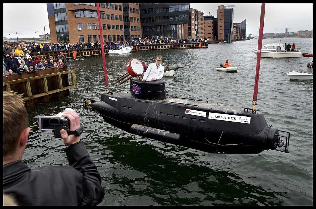 Peter Madsen med en tidigare ubåt.