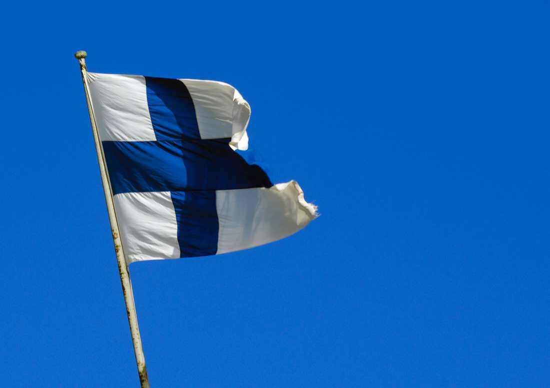 Covidkrisen har lett till att de svenska ansökningarna om finländskt medborgarskap drastiskt har ökat i år.