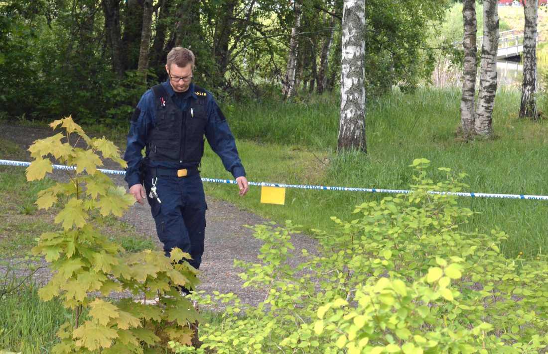 Polisen på brottsplatsen i Borlänge.