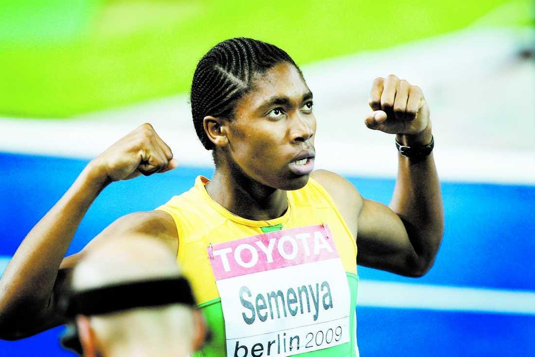 mästarinna Caster Semenya vann damernas 800 meter överlägste under gårdagens finalpass.