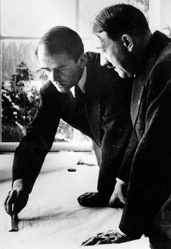 Albert Speer och Adolf Hitler.