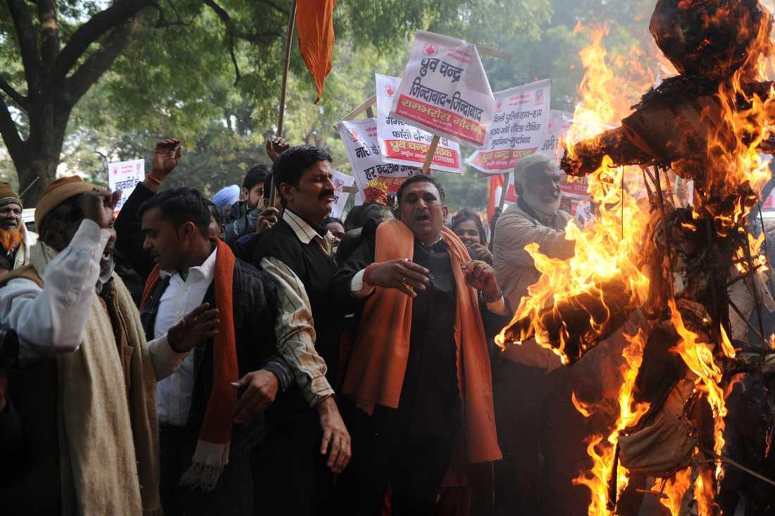 Demonstranter krävde bättre säkerhet för kvinnor i Indien.