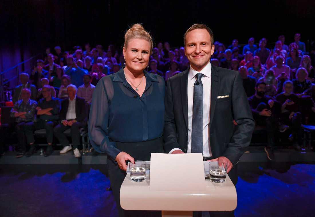 Camilla Kvartoft och Anders Holmberg leder Agendas partiledardebatt.