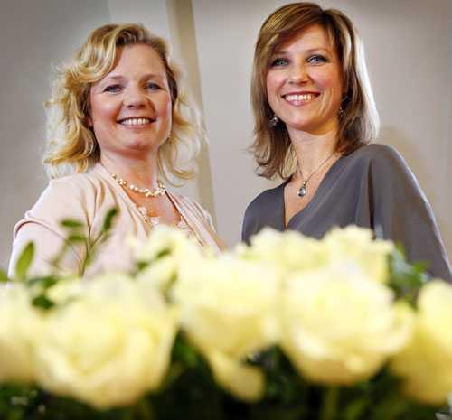 """Tillsammans med väninnan och kompanjonen Elisabeth Samnoy har Märtha Louise skrivit boken """"Möt din skyddsängel""""."""