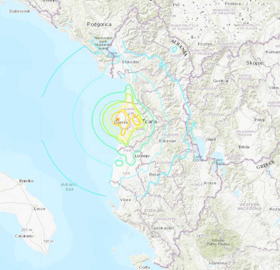 Jordbävningens epicentrum var strax norr om hamnstaden Durres i Albanien.