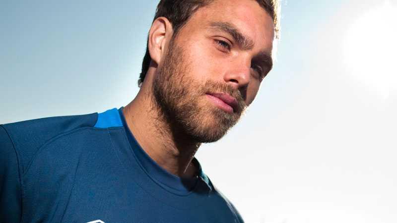 Johan Elmander tror på spel mot Holland.