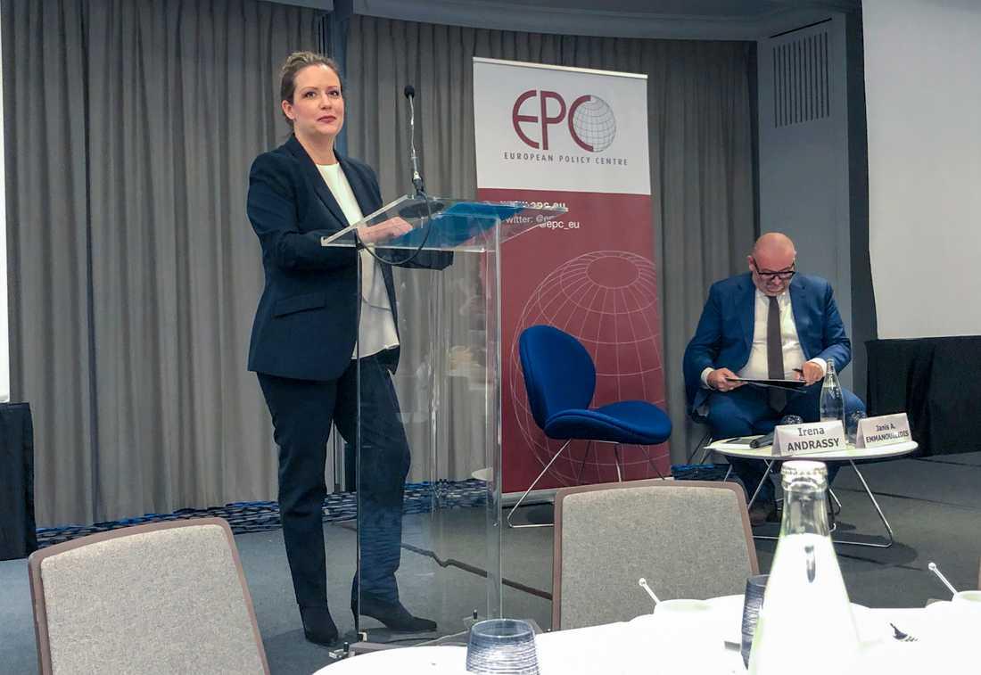 Kroatiens EU-ambassadör Irena Andrassy på ett frukostseminarium med Janis Emmanouilidis från tankesmedjan EPC.