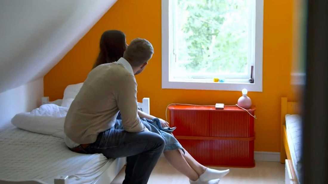 Efter svartsjukedramat om sängplatserna –Erik Bäckman talar med Linnea Åberg.