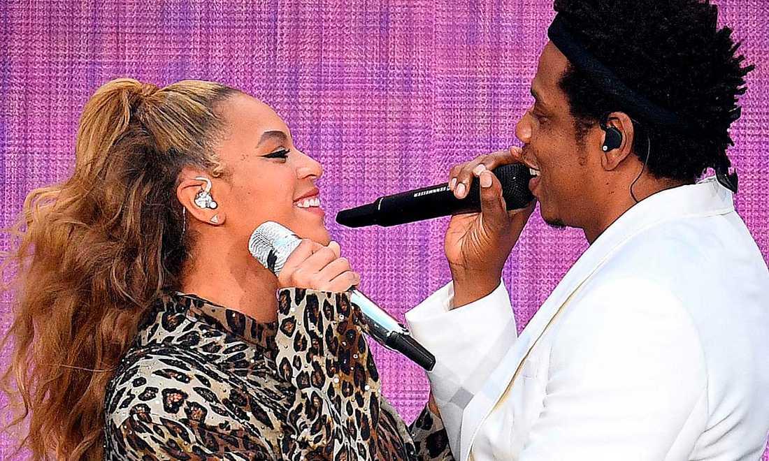 Beyoncé och Jay-Z på scen i London förra veckan. På måndag uppträder det världsberömda paret på Friends arena i Stockholm.
