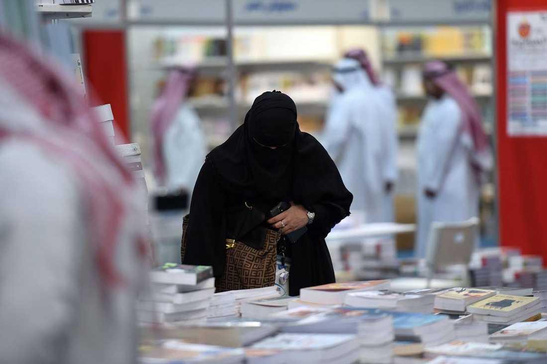 Det är vansinnigt att tro att Sveriges vapenexport till Saudiarabien skulle främja diktaturens demokratiska utveckling.